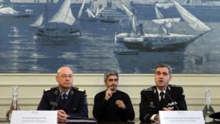 O diretor de Operações da Guarda Nacional Republicana (GNR), coronel Vítor Rodrigues (E), e o diretor do departamento de Operações da Polícia de Segurança Pública (PSP), Luís Elias (D), na ap