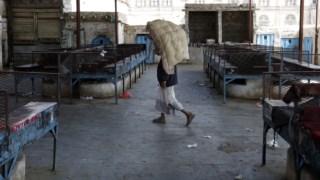 Um mercado de khat fechado na Somália