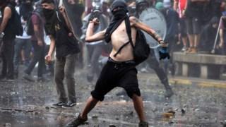 As imagens dos protestos no Chile deram lugar a ruas vazias e em silêncio