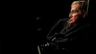 O físico morreu em Março de 2018, aos 76 anos de idade