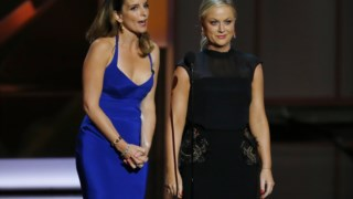 Tina Fey e Amy Poehler voltarão a apresentar os Globos de Ouro em 2021