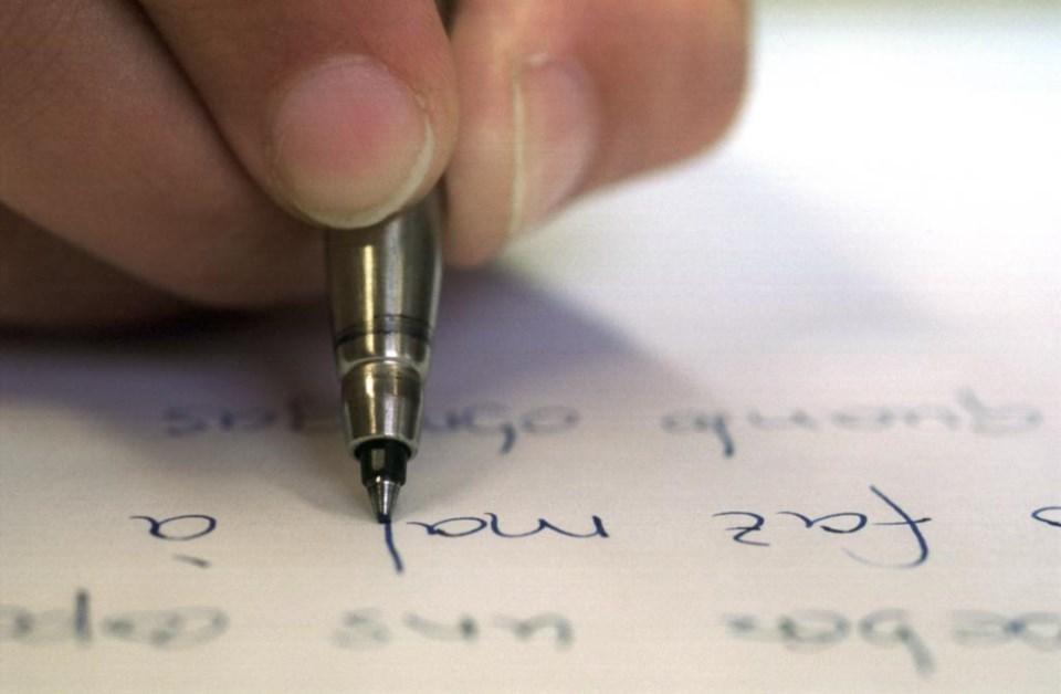 Concurso de bolsas de criação literária dispõe de 180 mil euros ...