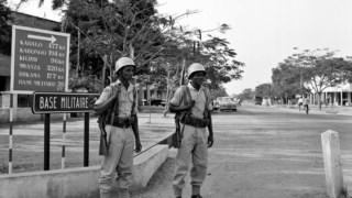 Dois soldados etíopes das forças da ONU em patrulha na cidade de Kamina, no Katanga, três semanas depois da declaração de independência
