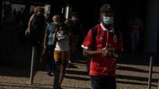 Ordem dos Médicos defende uso de máscara em espaços públicos ao ar livre