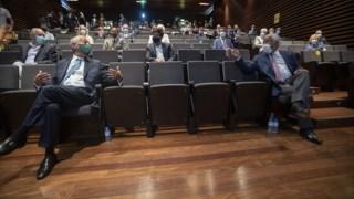 Marcelo e Costa no regresso das reuniões do Infarmed