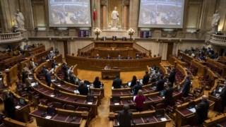 O plenário tem dois debates marcados sobre estado de emergência até ao final de Janeiro