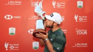 Uma grande volta a fechar deu a Tyrrel Hatton o troféu-falcão do Abu Dhabi Championship © ABU DHABI HSBC CHAMPIONSHIP