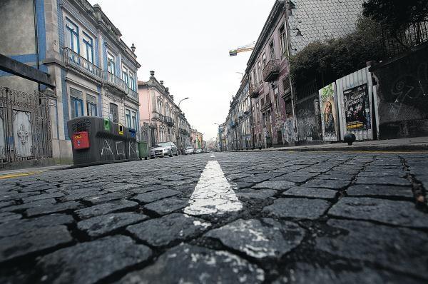 No Porto há uma rua que é um caso de estudoÁlvares Cabral | PÚBLICO