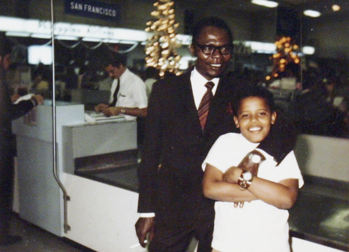 Com o pai, Barack Obama Sr (Sénior)