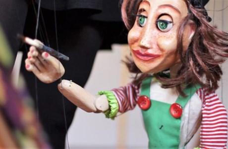 A companhia brasileira Tu Mateixa Marionetes traz
