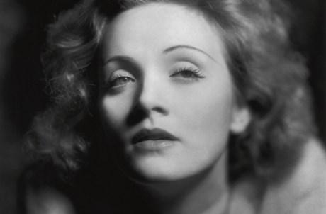 Marlene Dietrich, por Eugene Robert Richee, 1930