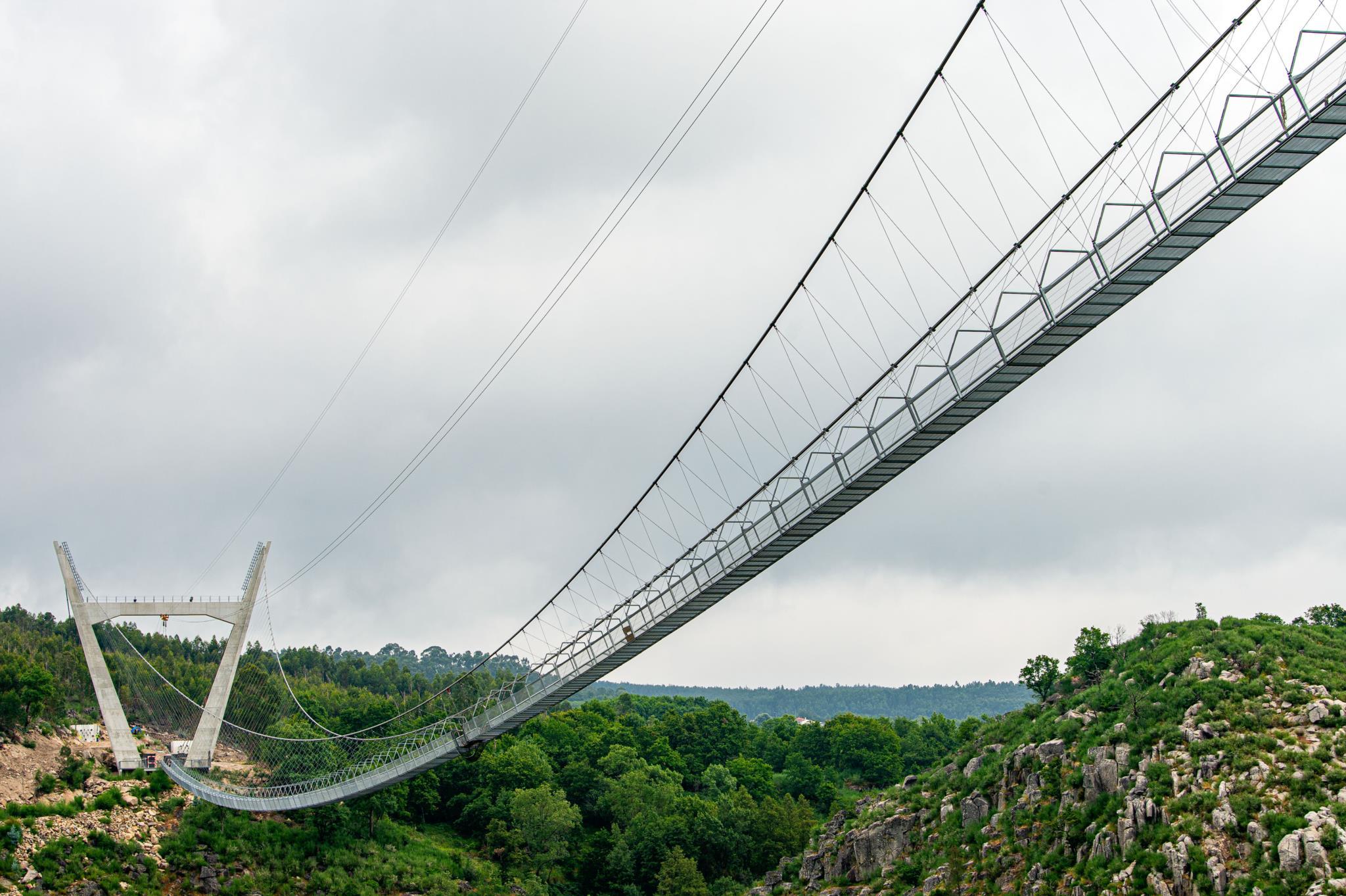 Arouca aguarda abertura da maior ponte pedonal suspensa do mundo | Turismo  | PÚBLICO